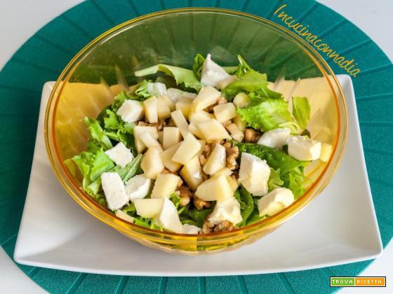 Insalata con spinacino, mele, noci, mozzarella e miele