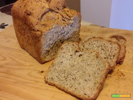"""Pane al farro e grano saraceno nella macchina del pane con preparato """"Spadoni"""""""