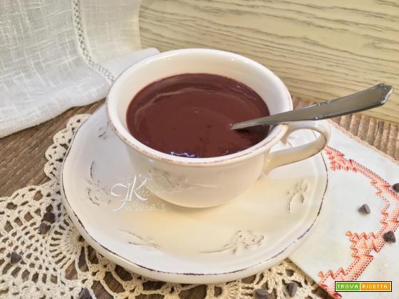 Cioccolata densa e profumata fatta in casa