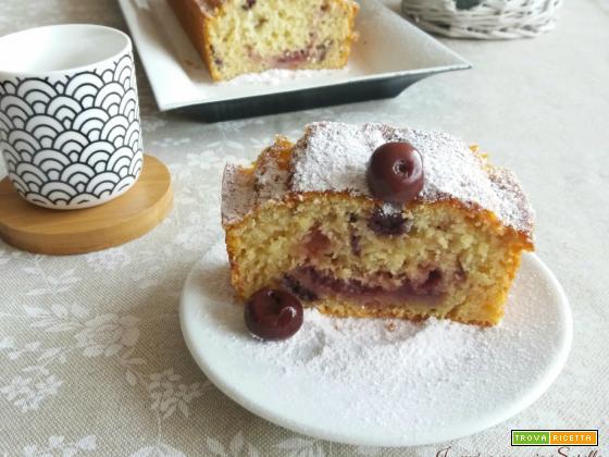 Plum cake alle visciole e marmellata