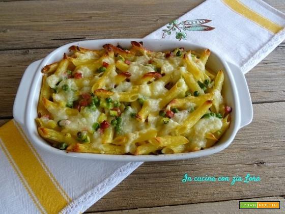Penne con verdure e formaggi ripassate al forno