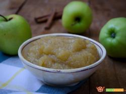Crema di mele alla cannella con e senza bimby