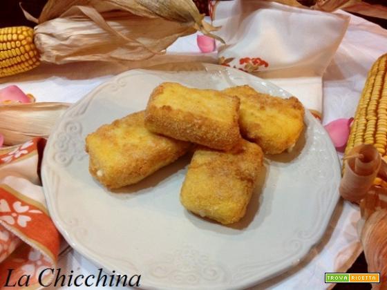 Panini al formaggio di polenta fritti