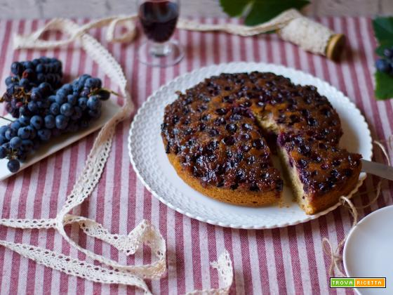 Torta Rovesciata all'uva nera.