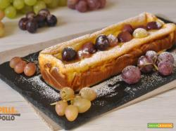 Tortino di ricotta e yogurt con salsa all'uva