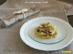 Pasta speck e peperone verde