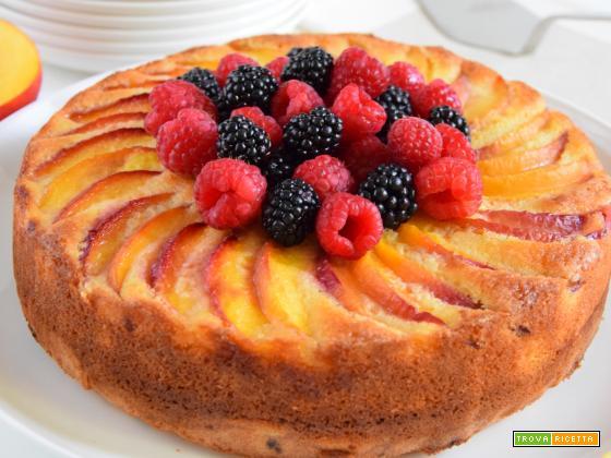 Torta quattro quarti ai frutti di bosco e crema frangipane