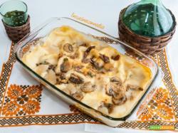 Lasagne ai funghi e prosciutto crudo