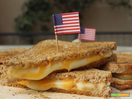 Grilled cheese sandwich: i toast americani al formaggio