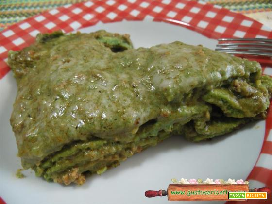 Lasagna con crepes all'ortica cotta in padella