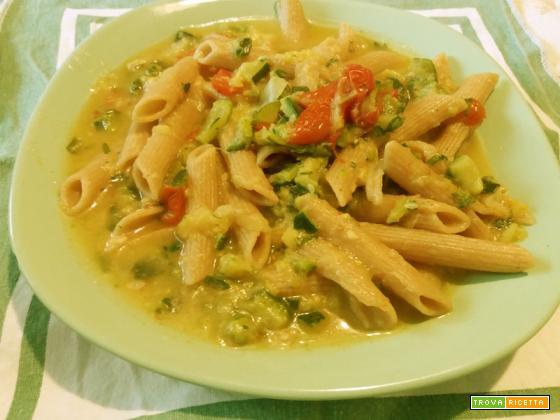 pasta integrale curcuma zucchine panna