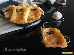 Pizzette mummia – ricetta di Halloween con pasta sfoglia