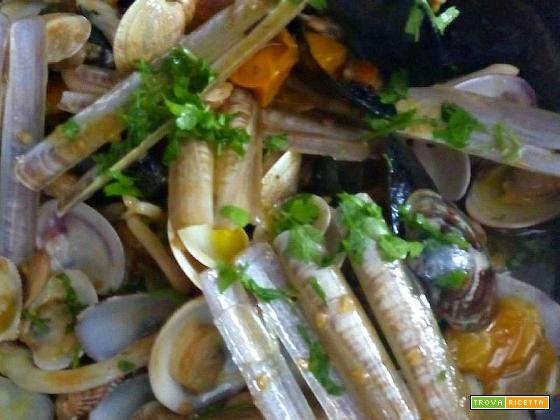 Zuppa di frutti di mare