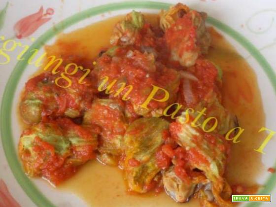 Fiori di zucca ripieni con funghi porcini , cozze e pecorino