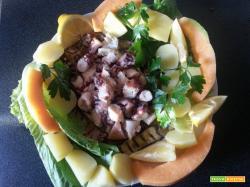 Melanzane grigliate con insalata di polipo contornate da melone