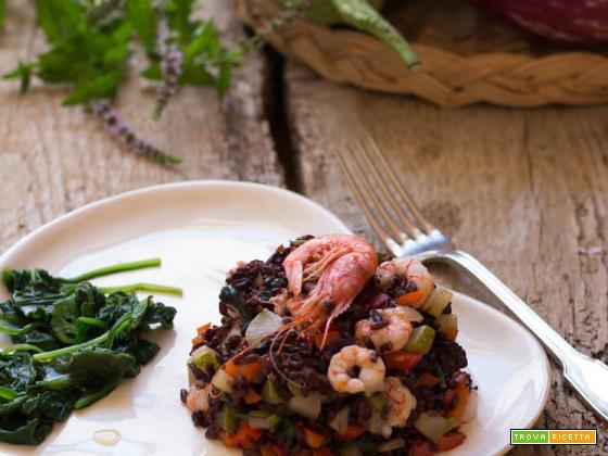 Insalata di riso Venere con verdurine e code di gambero