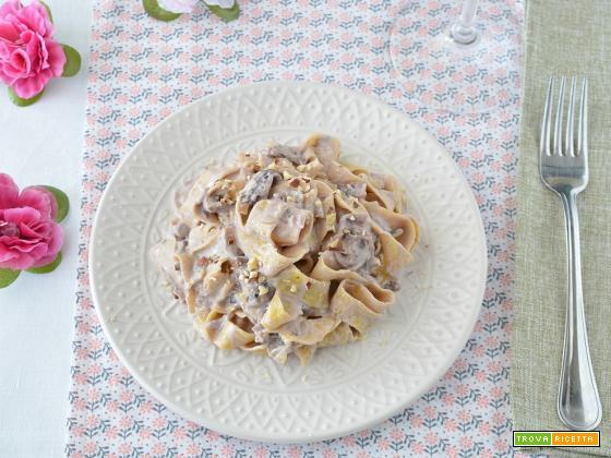 Pappardelle cremose al radicchio e gorgonzola