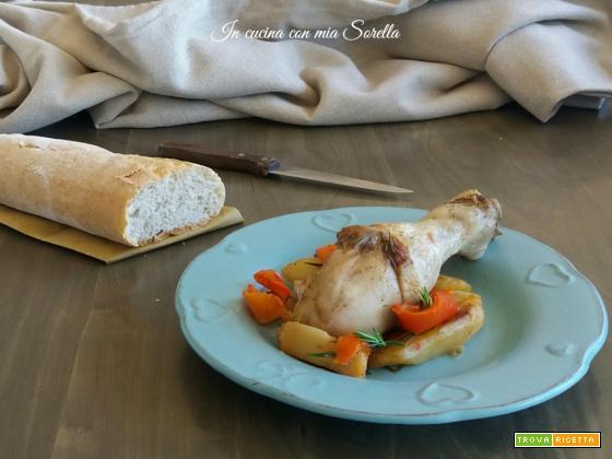 Pollo in padella con patate e peperoni