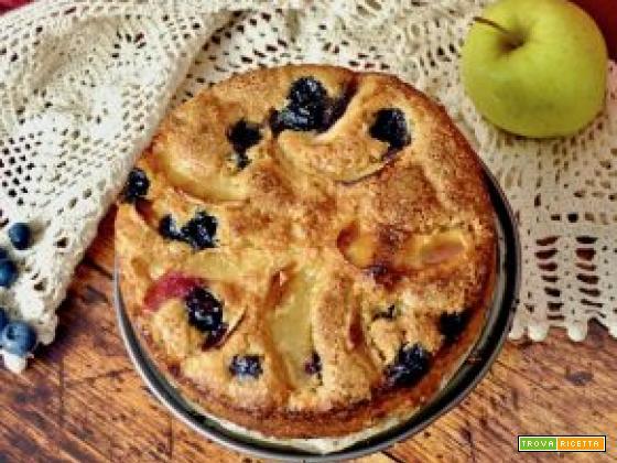 Torta di mele e mirtilli senza burro e uova