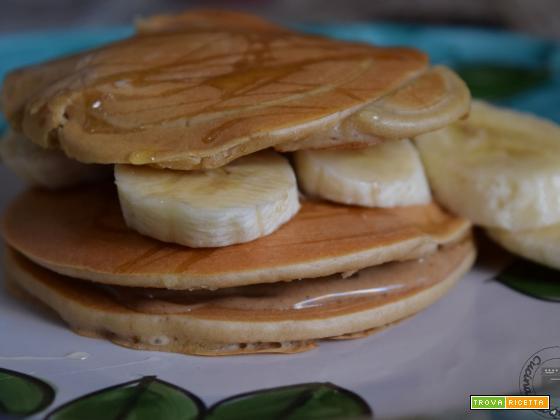Pancake all'avena istantanea e albumi