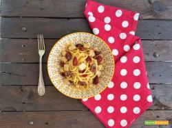Spaghetti con pomodori secchi, tonno e gorgonzola