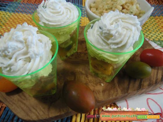 Bicchierini salati prosciutto e caprino