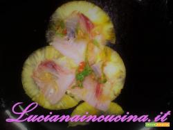 Carpaccio di pesce spada affumicato e ananas con lime e zenzero