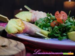 Spiedini di avocado e bacon croccante