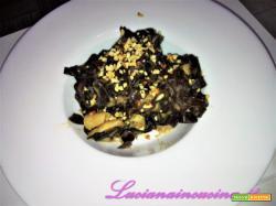 Tagliatelle al cacao con salsa di porcini, Asiago e nocciole