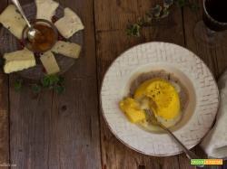 Tortino di Pignoletto d'oro con cuore di formaggio a latte crudo