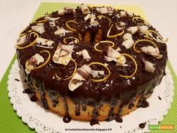 Chiffon cake all'arancia e decorazione ai tre cioccolati