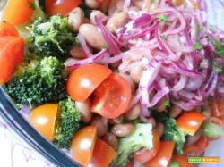 Insalata light di fagioli e verdure