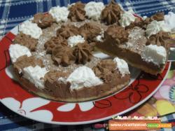 Cheesecake al cioccolato e meringhe