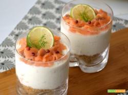 Bicchierini di cheeecake al salmone e lime