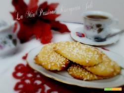 Biscotti al limone e granelli di zucchero