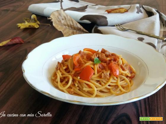 Spaghetti al sugo di tonno e peperoni