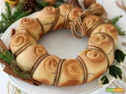 Corona di pane dolce alla cannella: decora la tua tavola!