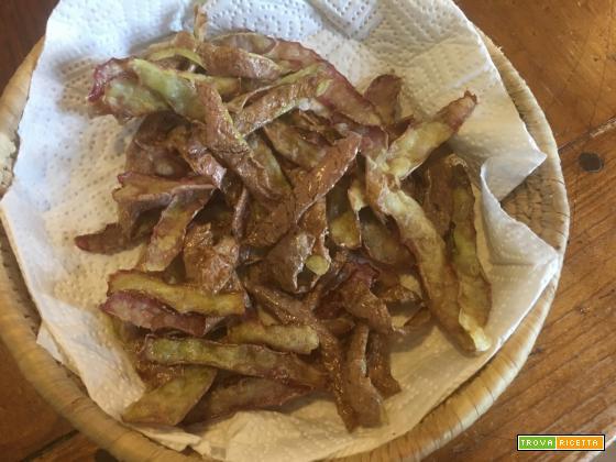 Bucce di patate fritte: buone da morire e economiche che più non si può