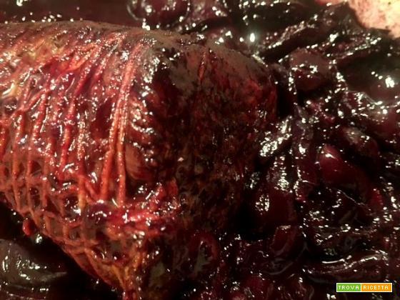 Carne brasata con ciliegie: si scioglie in bocca