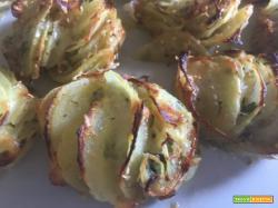 Boccioli di patate, croccanti petali di patate al forno
