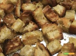 Crostini di pane, tostati in forno, sempre pronti!
