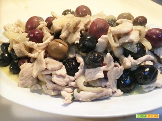 Fesa di tacchino alle olive in 10 minuti: facile, veloce ed economico