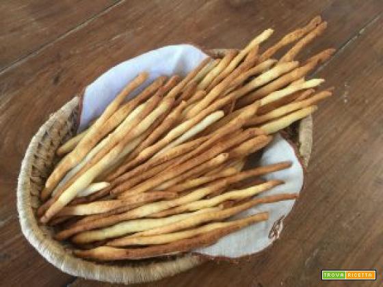 Grissini di patate al forno uno tira l'altro, soli o accompagnati