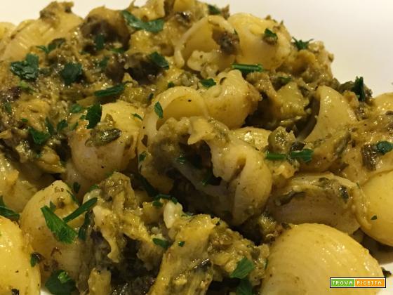 Pasta corta con crema di zucchine al profumo di limone