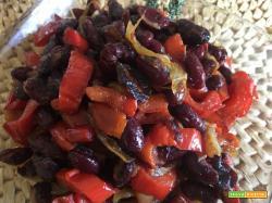 Peperoni e fagioli alla brasiliana con cumino