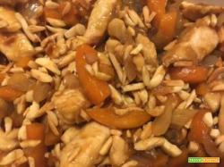 Pollo alle mandorle addomesticato, versione italo-cinese