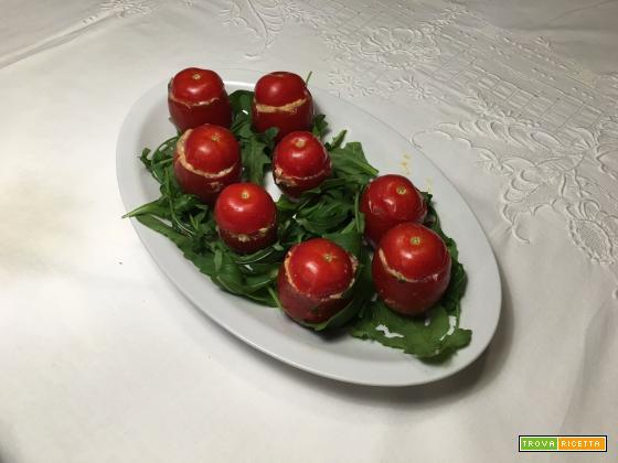 Pomodori datterini ripieni: sfiziosissimi finger food