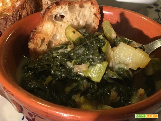 Ribollita: la famosa zuppa toscana a base di cavolo nero