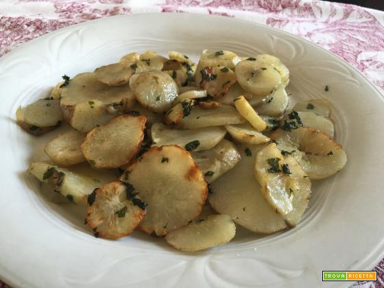 topinambur trifolati in padella con aglio e prezzemolo