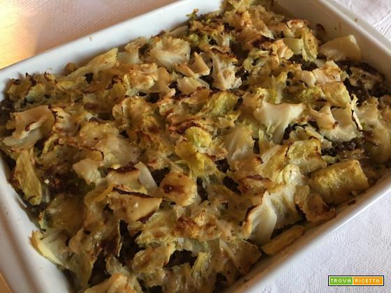 Sformato di verza con patate formaggio e carne macinata